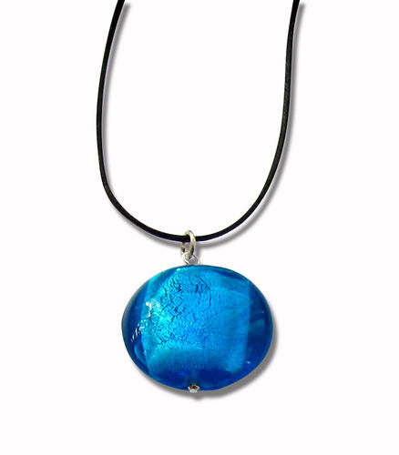 Glass pendant with adjustable band